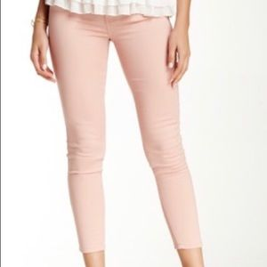 🍩 Ashley Mason Light Pink Cropped Skinny Jeans